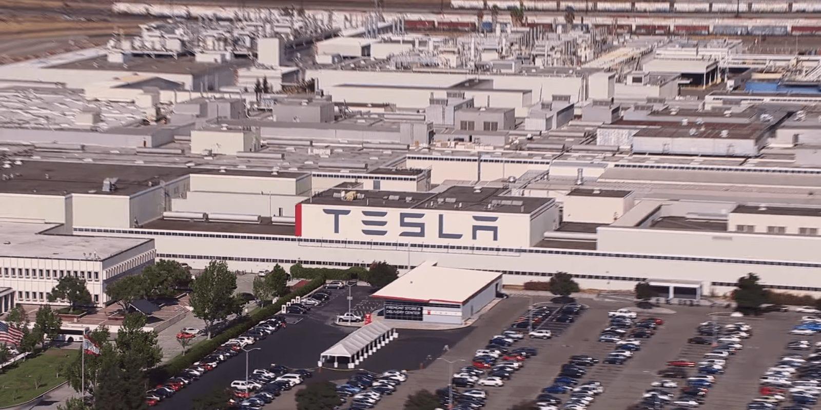 Tesla, centinaia di lavoratori si sono ammalati di Covid perché obbligati al lavoro