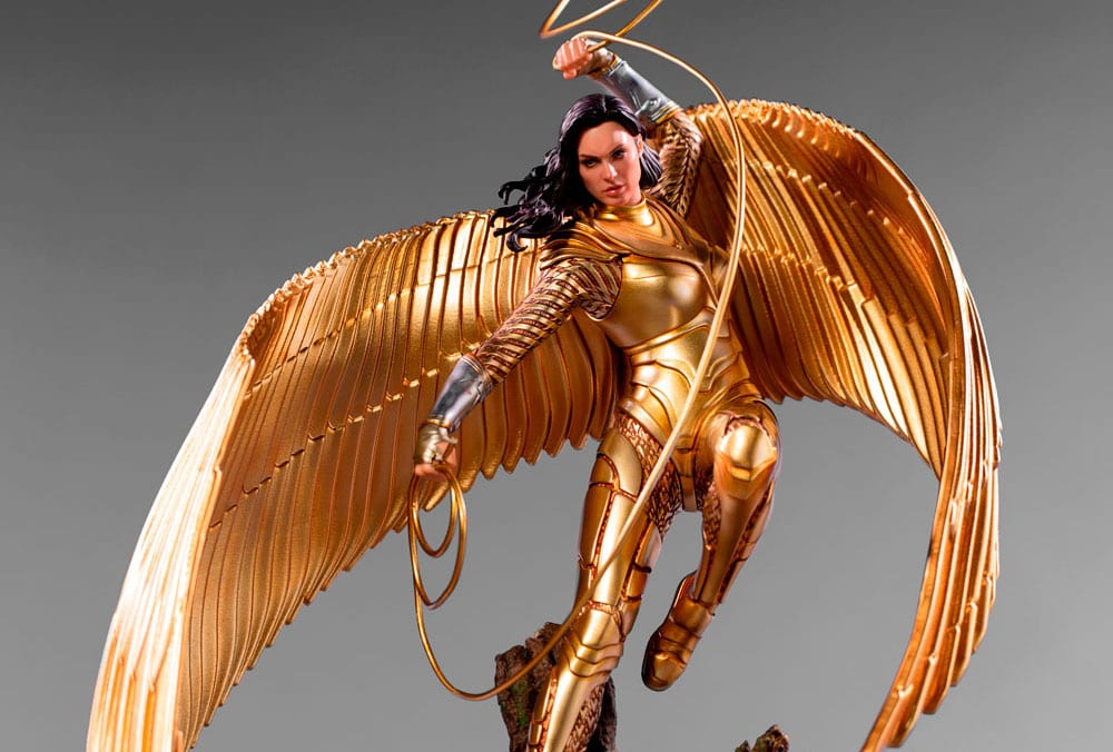 Wonder Woman 1984: ecco l'action figure con l'armatura dorata