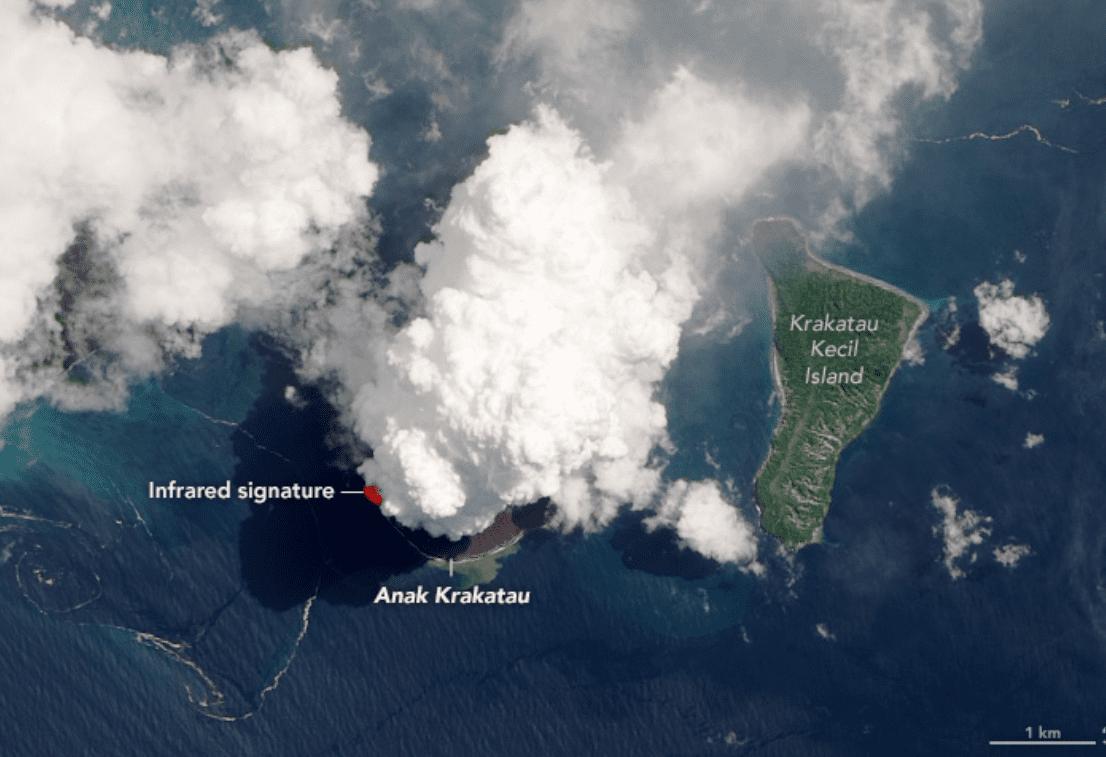 Anak Krakatau: la grande eruzione del vulcano figlio di Krakatoa vista dallo spazio (foto)