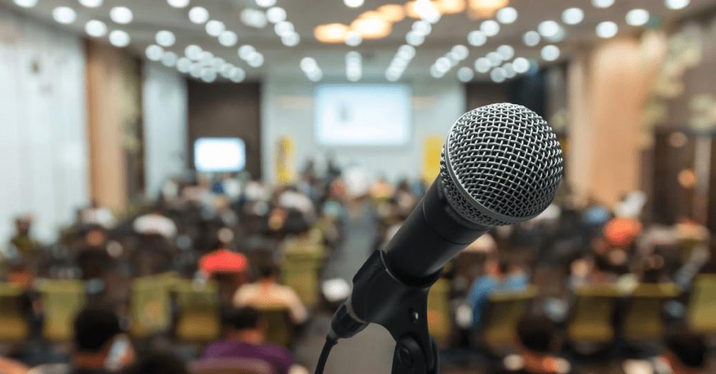 Amazon Alexa potrà allenarti a superare l'ansia di parlare in pubblico