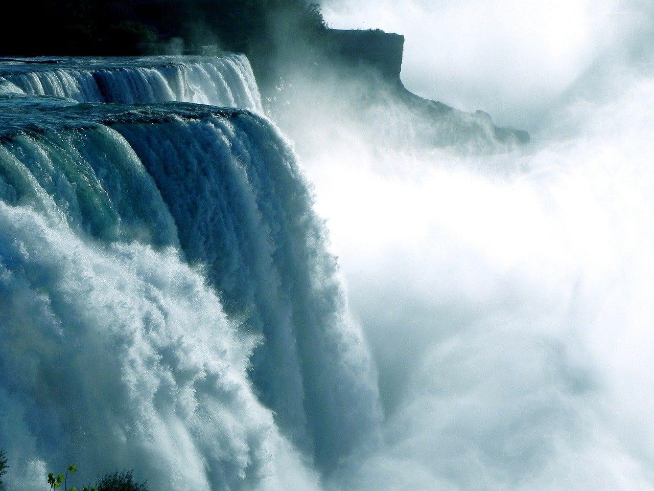 Qual è l'origine dell'acqua sulla Terra?