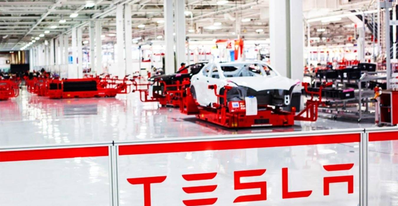 Tesla da record: a due mesi dalla fine del trimestre è già tutto sold-out