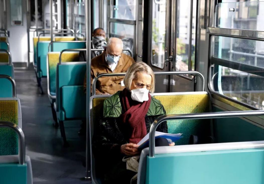 Francia: niente mascherina sui mezzi pubblici? L'intelligenza artificiale ti segnala al conducente