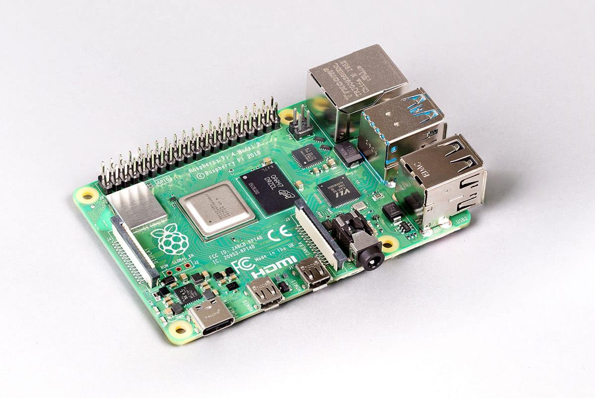 Raspberry Pi 4, arriva la versione da 8GB: prezzo e specifiche