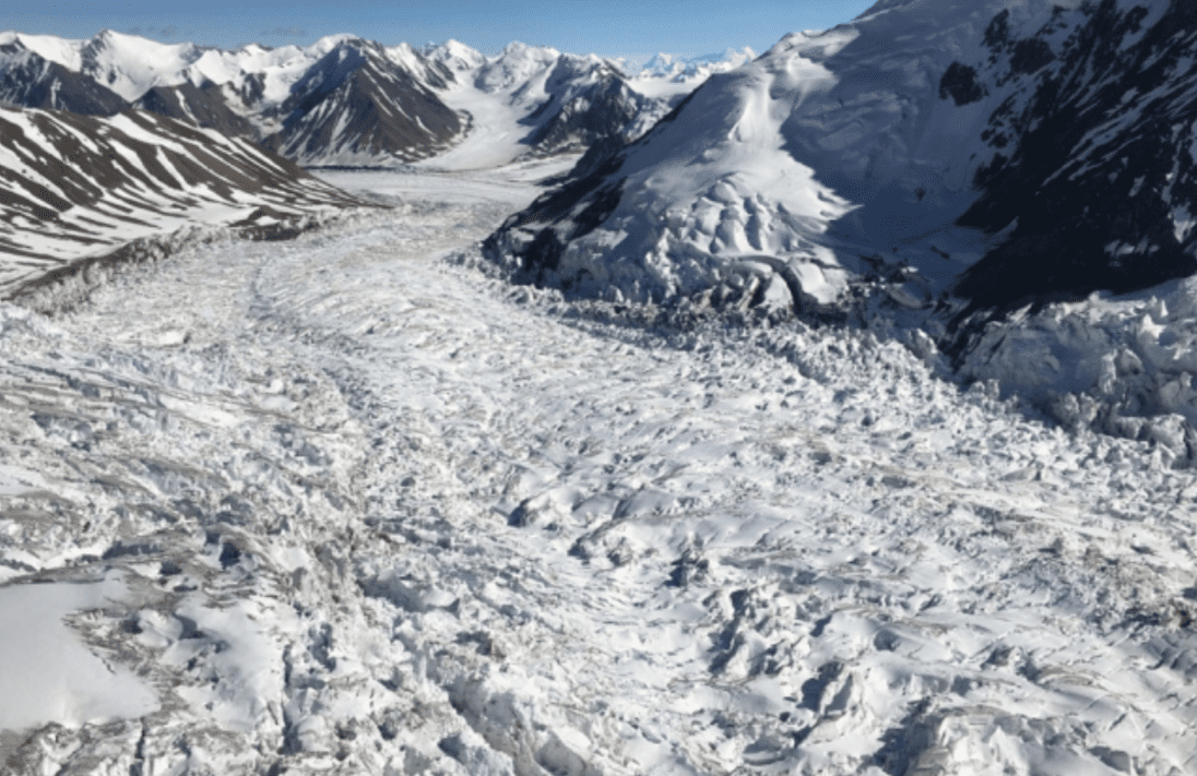 Impennate glaciali: sono innescate da minuscoli granelli di sabbia