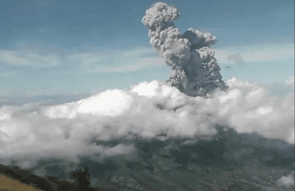 Eruzione del monte Merapi: nessun morto, immagini spettacolari