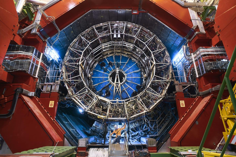 Antideutoni: le particelle di antimateria per riconoscere la materia oscura