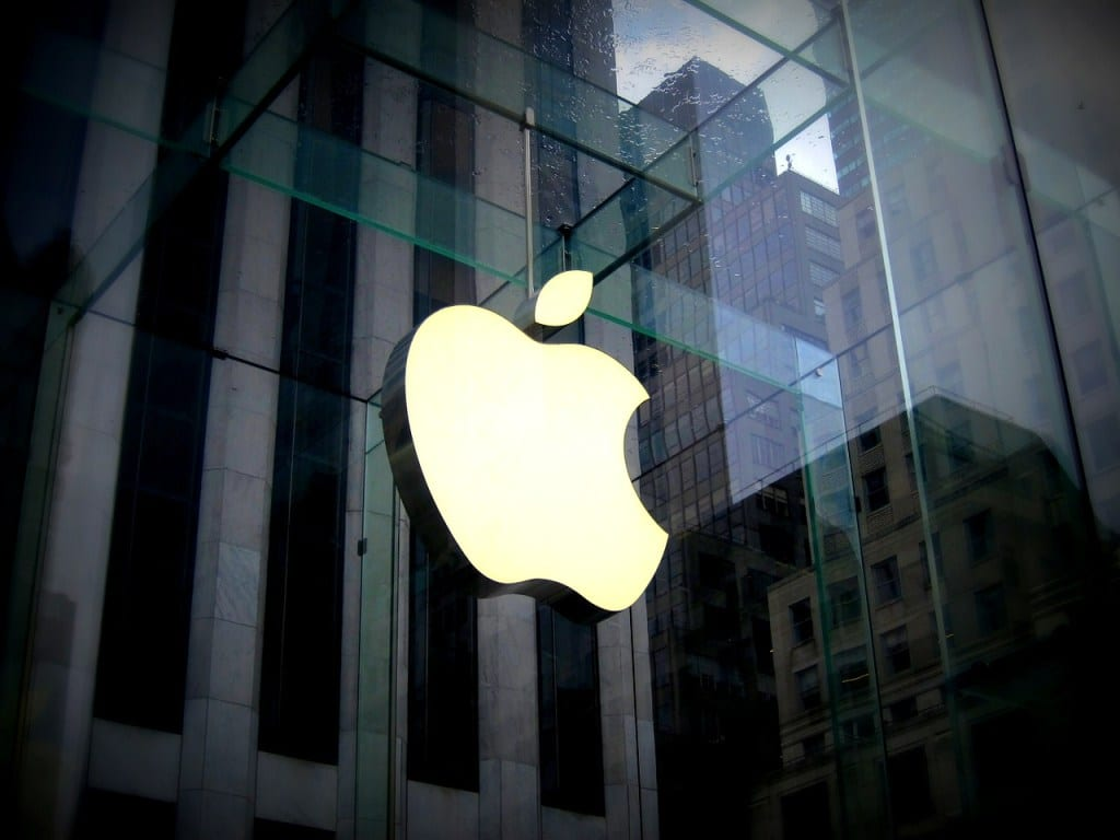 """Apple, il monito dell'UE: """"il blocco al tracciamento rischia di violare norme antitrust"""""""