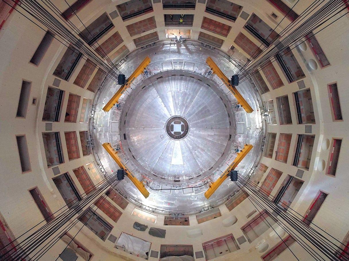 ITER: installato il primo e più grande pezzo del reattore sperimentale