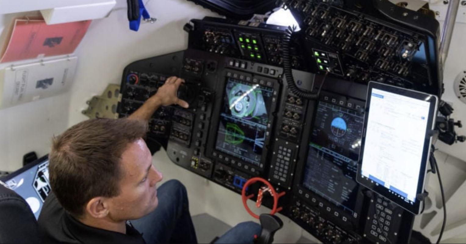 Boeing CST-100 Starliner, l'abitacolo è quanto di più diverso possa esserci da quello del Crew Dragon
