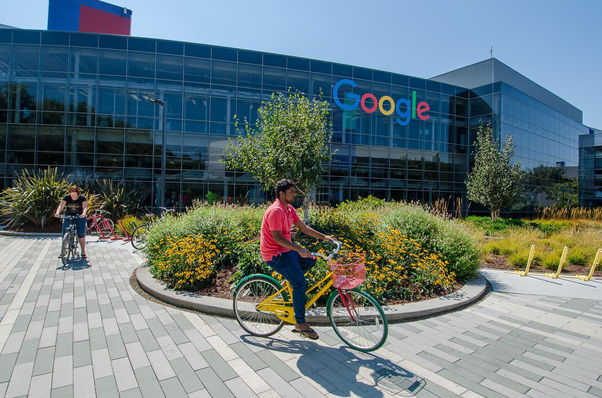 Google: per alcuni dipendenti è già tempo di tornare in ufficio