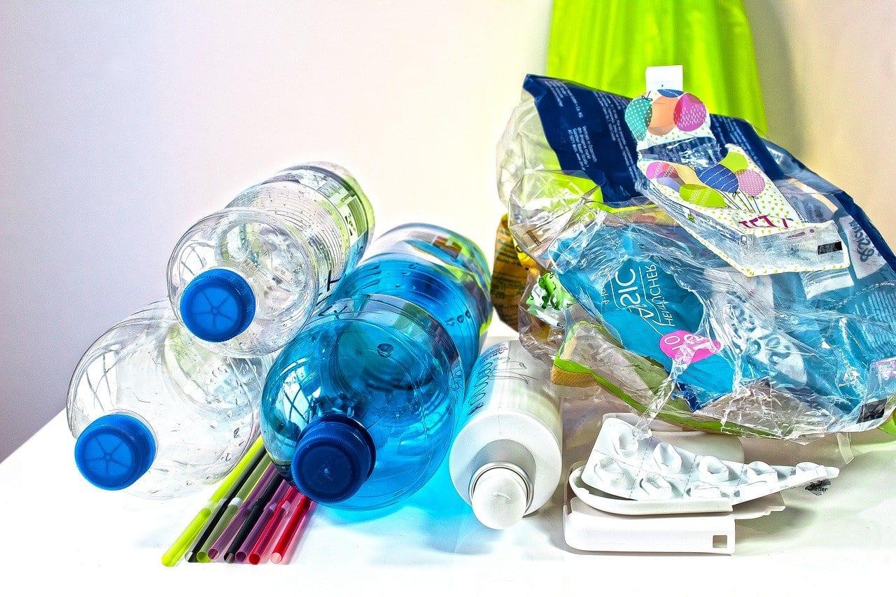 Riciclare diversi tipi di plastiche insieme: ecco come fare