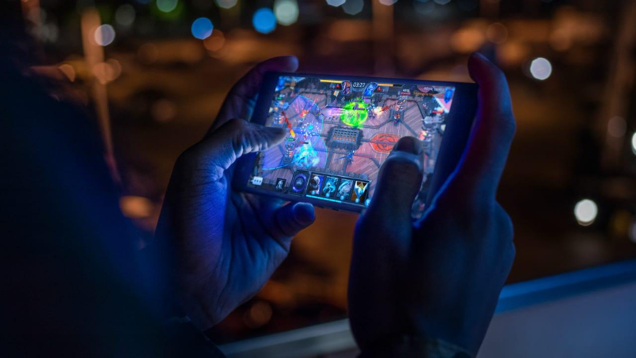 Mobile gaming, altro che console e PC: i veri soldi si fanno con i giochi per smartphone