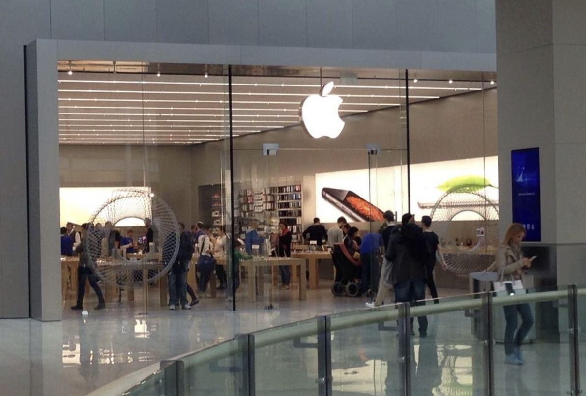 Apple Store: sei particolarmente gentile? La riparazione è gratis (o quantomeno così dice un video virale)