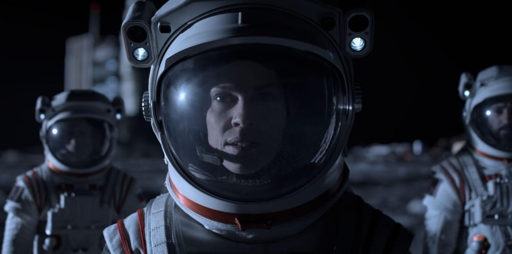 Away: la serie con Hilary Swank dal 4 settembre su Netflix