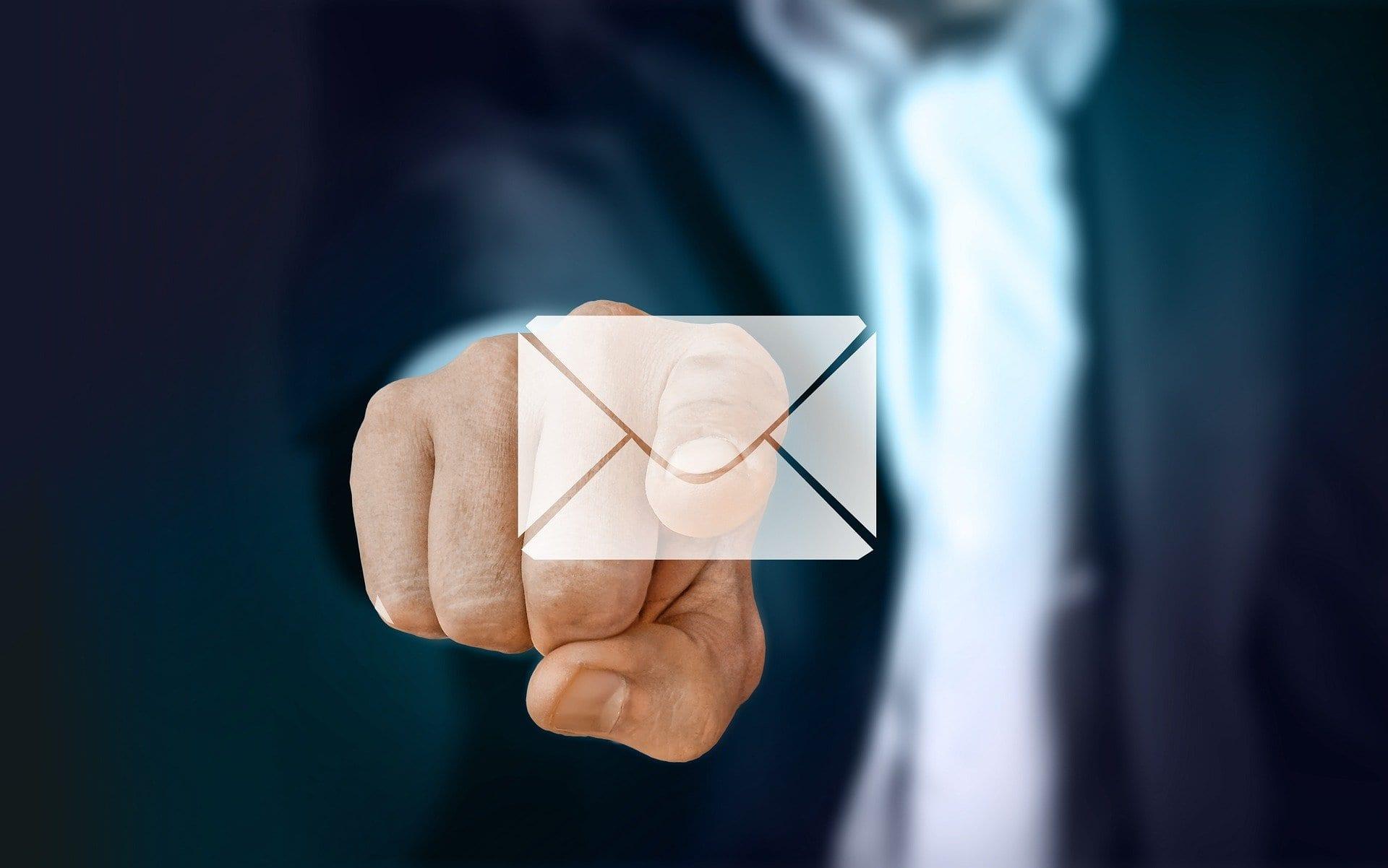 La email di lavoro maleducate danneggiano la nostra salute
