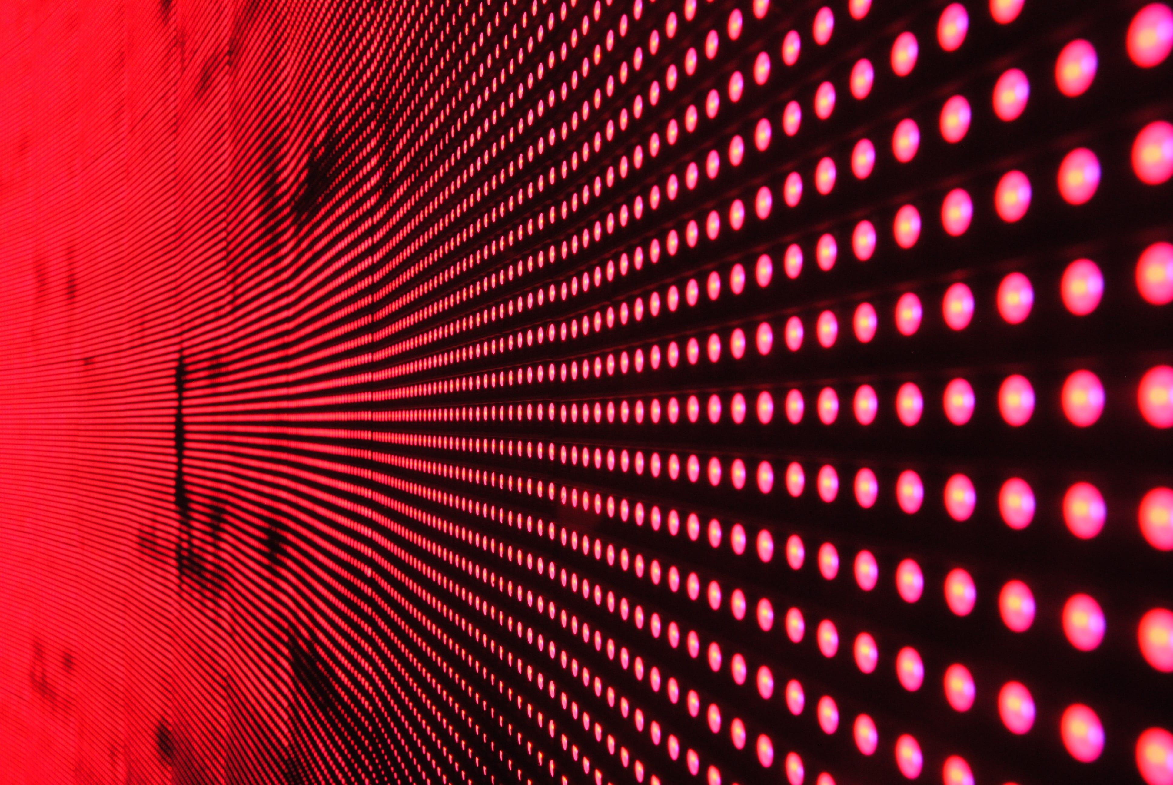 griglia di luci rosse