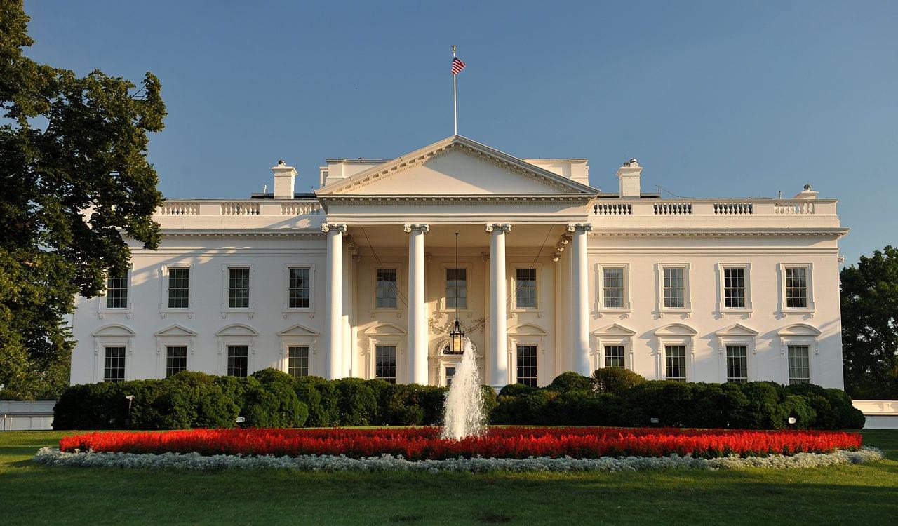 USA: sondaggio li vede come una minaccia alla democrazia