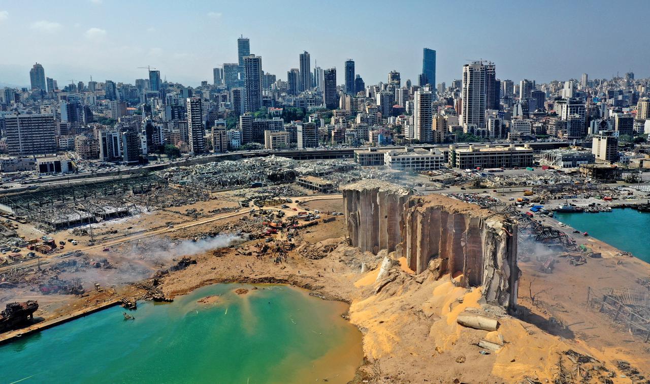Beirut, i danni dell'esplosione fotografati dallo spazio
