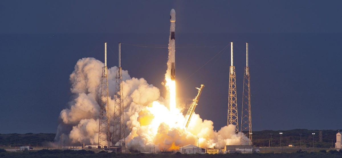 SpaceX da record: 143 satelliti in un solo razzo, meglio anche dell'India