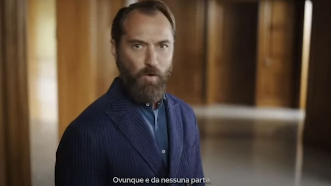 Sky Wifi, Jude Law protagonista del nuovo spot tra Venezia, Milano e Genova