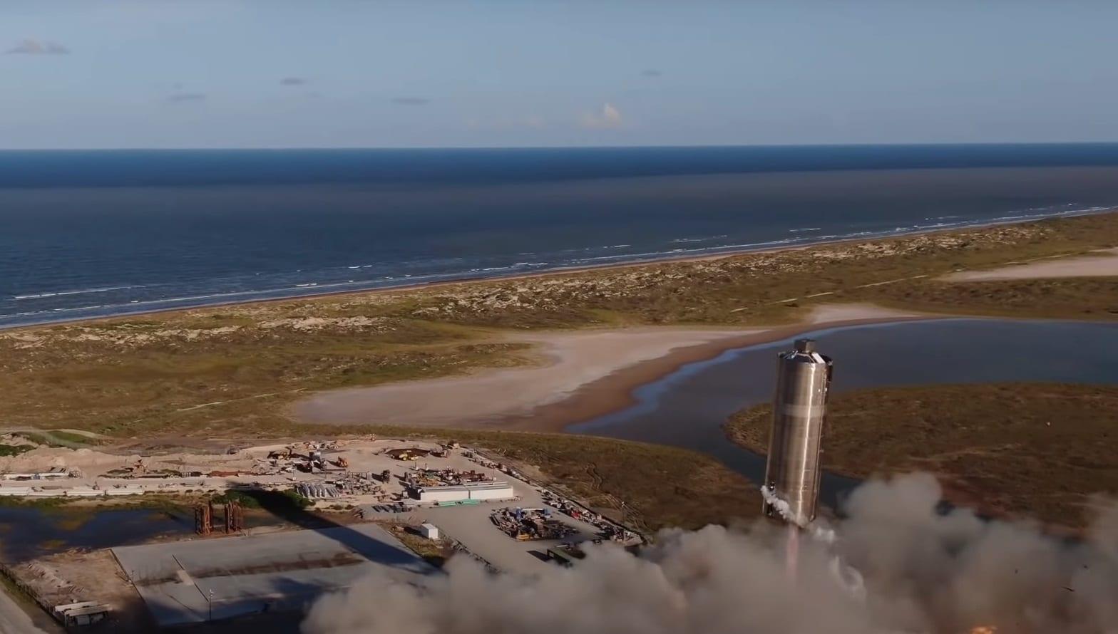 SpaceX, il prototipo Starship SN5 supera il test: compie un salto di 150 metri