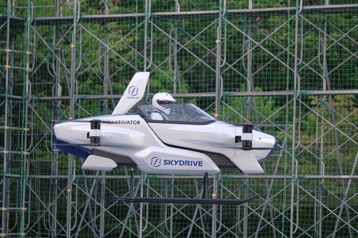 SkyDrive, il primo volo con pilota dell'auto volante finanziata da Toyota (video)