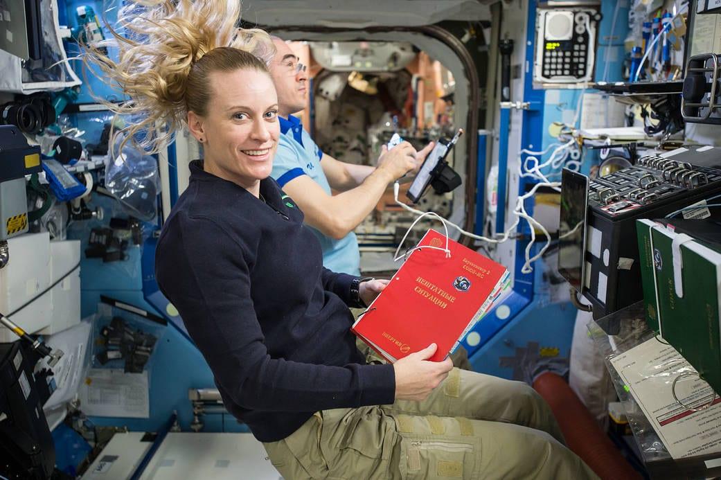 Voto dallo spazio alle elezioni USA: l'astronauta Kate Rubins voterà dall'ISS