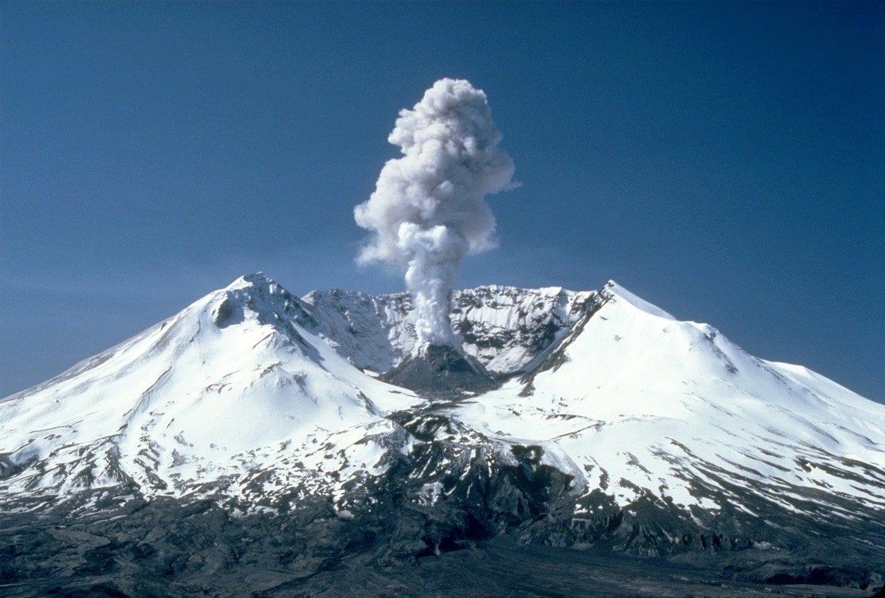Ciclo di vita dei vulcani: nascono, muoiono e poi ricrescono sui propri resti