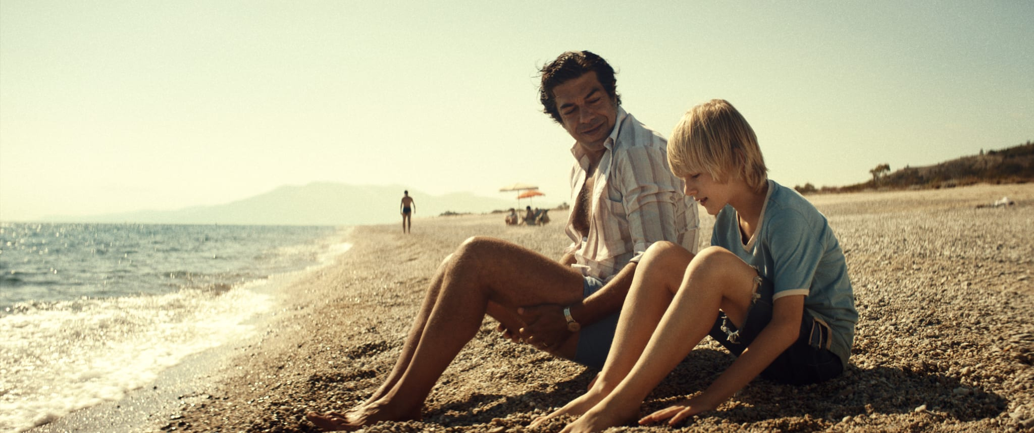 Padrenostro, la recensione del primo film italiano presentato al concorso di Venezia