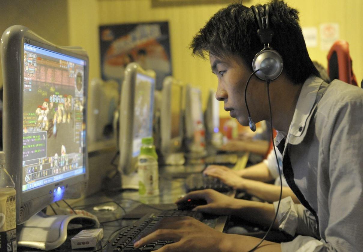 Cina, una legge contro le app e i videogame che creano dipendenza nei minori