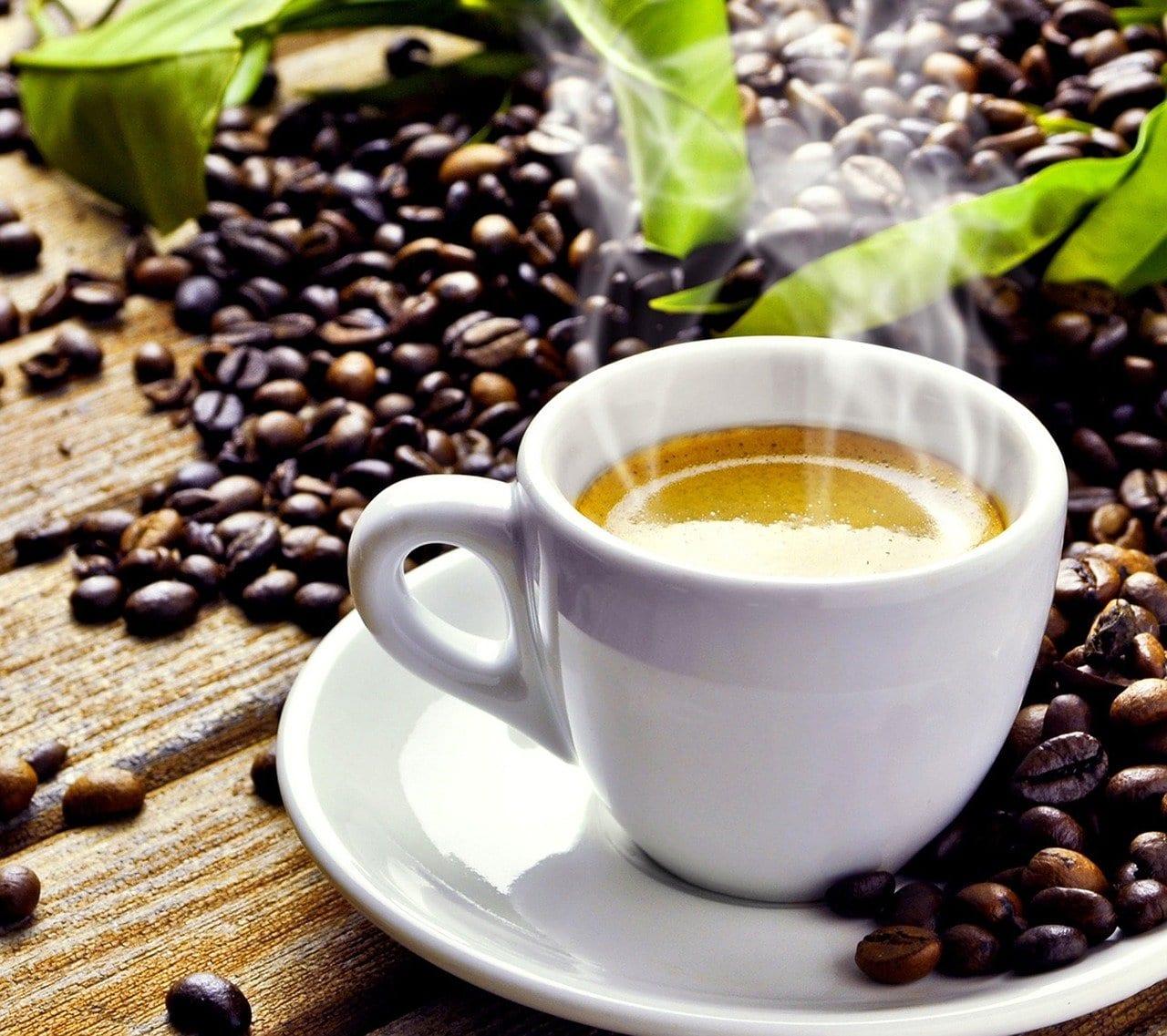 Caffè: se la notte è stata insonne meglio berlo dopo colazione
