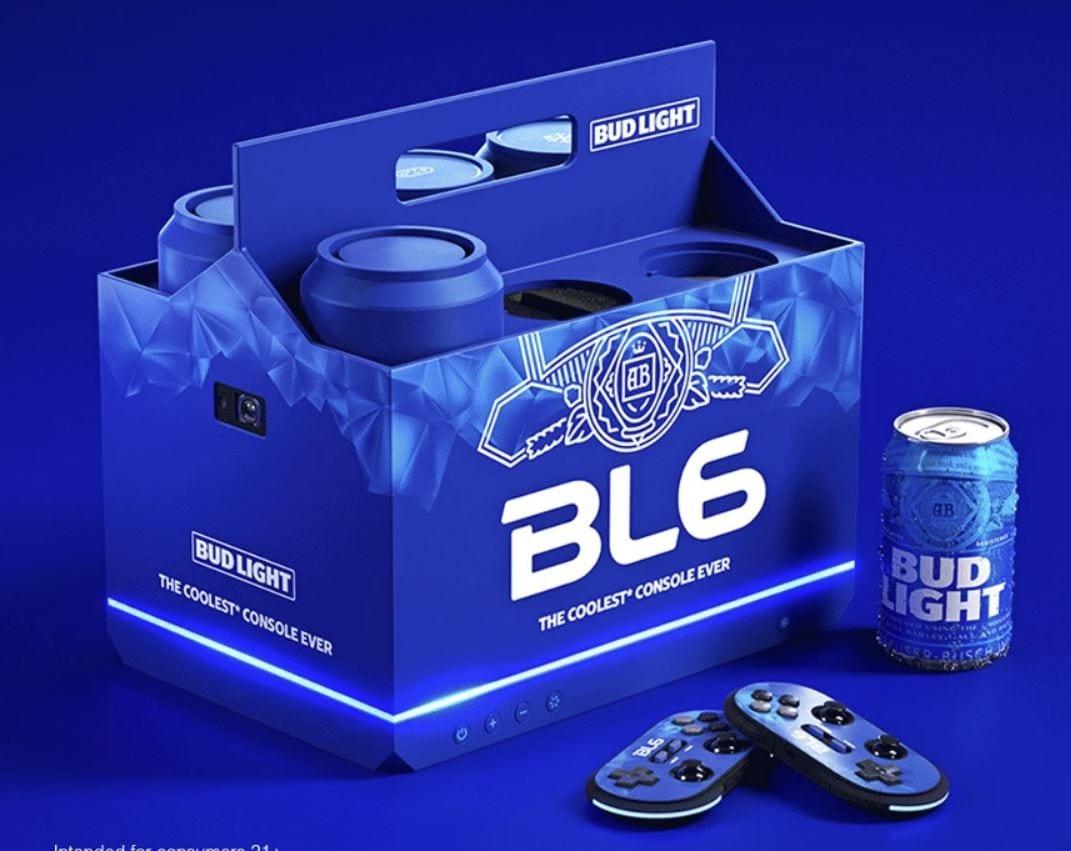Bud Light ha prodotto una console che, tra le altre cose, può tenere al fresco due lattine di birra