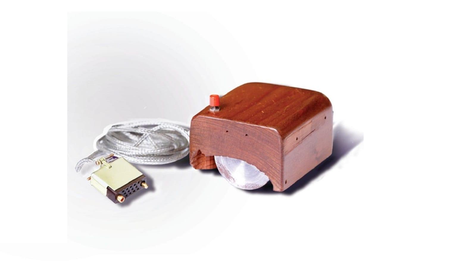 """Il mouse compie 50 anni, il primo era una """"scatolina"""" di legno"""