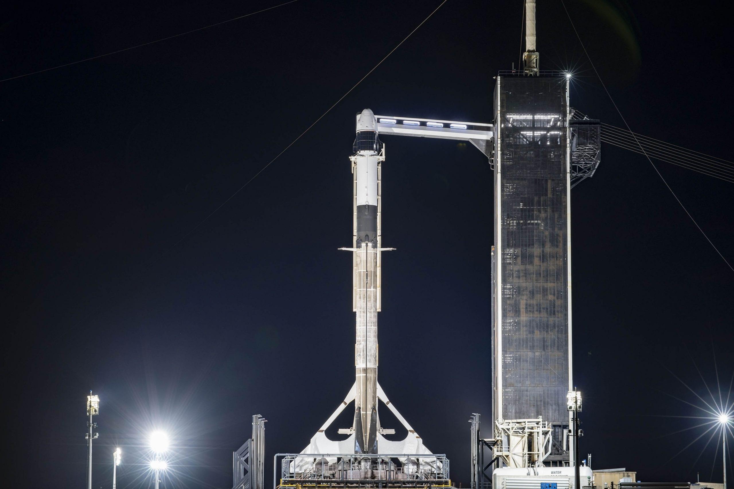 CRS-21: causa maltempo il lancio della Dragon è rimandato a domani