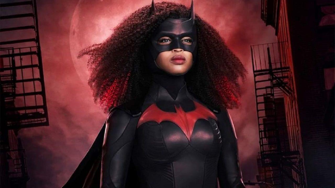 Batwoman 2: nuovo poster e sinossi dell'episodio pilota