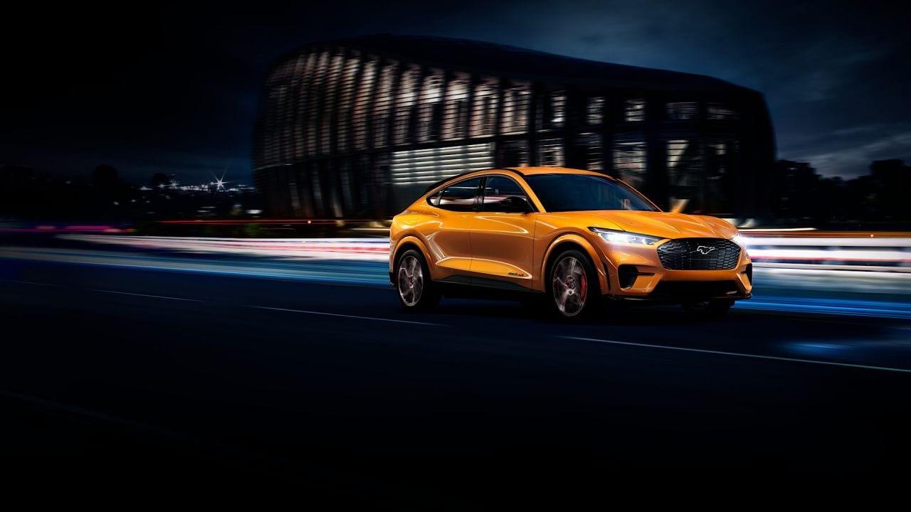 La Ford punta forte sulle auto elettriche, raddoppiando gli investimenti