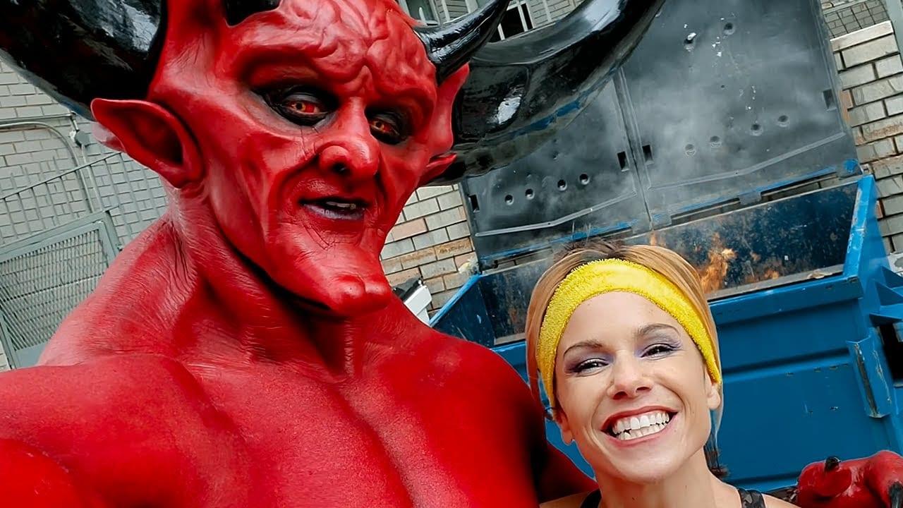 Ryan Reynolds mette insieme il diavolo e il 2020 in un nuovo spot
