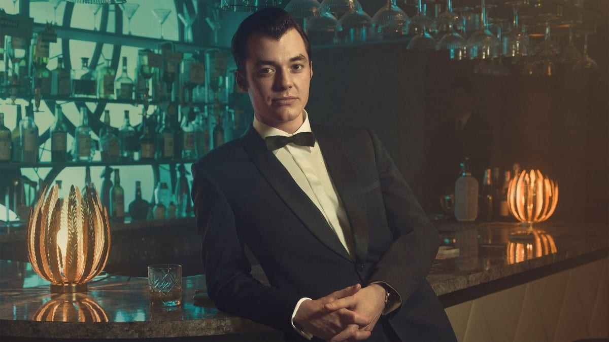 Pennyworth 2: svelata la data di uscita italiana su StarzPlay