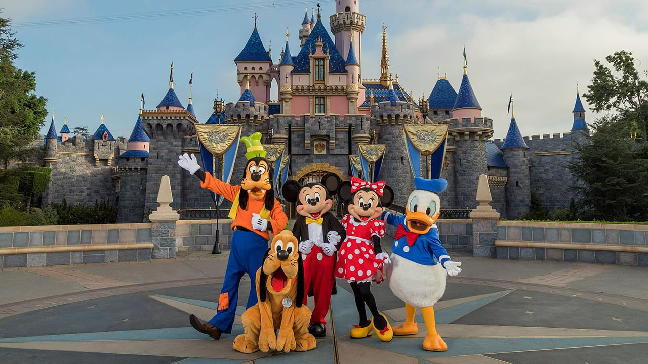 Disneyland Resort è diventato un centro di vaccinazione per il Covid-19