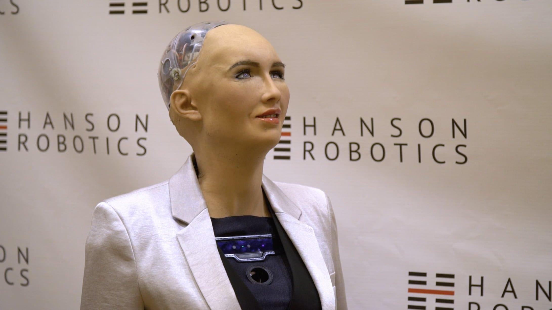 Sophia, l'androide concepito per l'assistenza umana, verso la produzione di massa