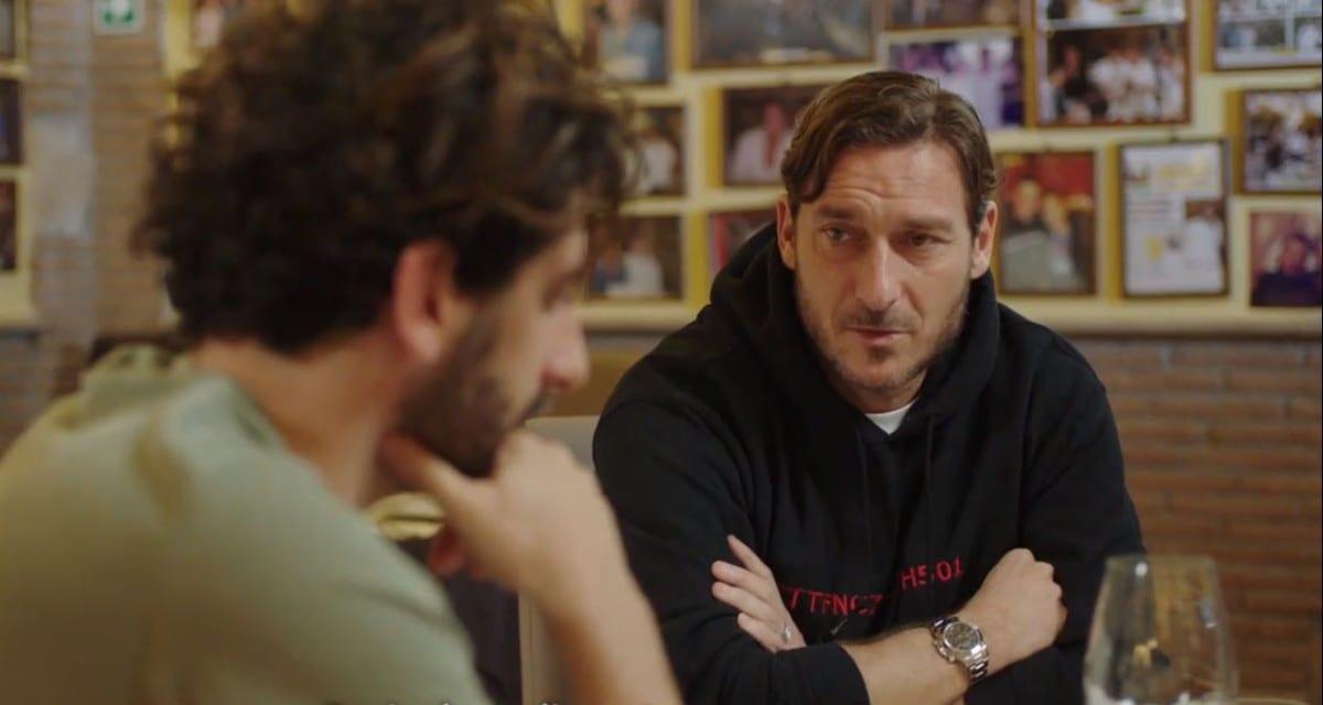 Speravo de morì prima: nuova clip della serie Sky su Francesco Totti