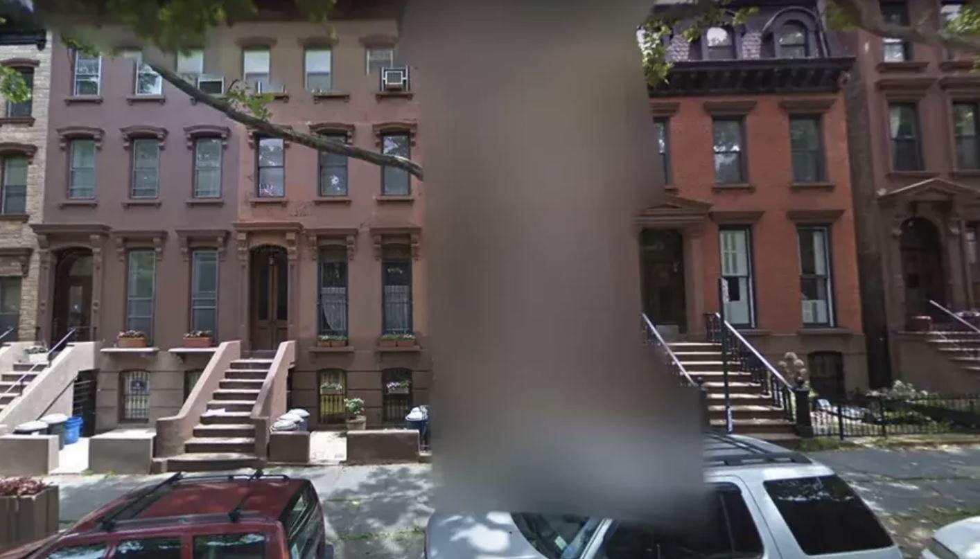 Google Street View: ora potete nascondere la vostra casa dietro ad un muro di pixel
