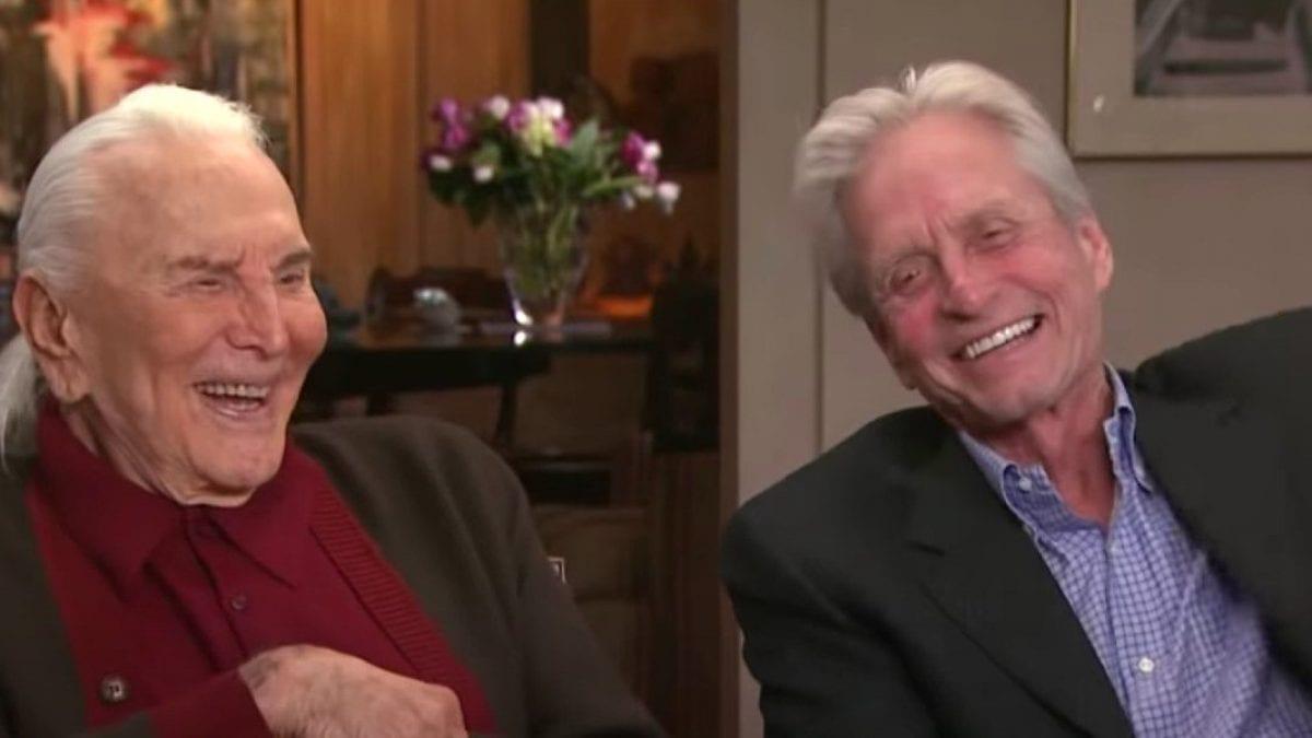 Michael Douglas rende omaggio al padre Kirk Douglas