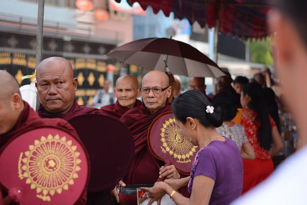 Birmania, i filo-militari usano TikTok per minacciare i manifestanti