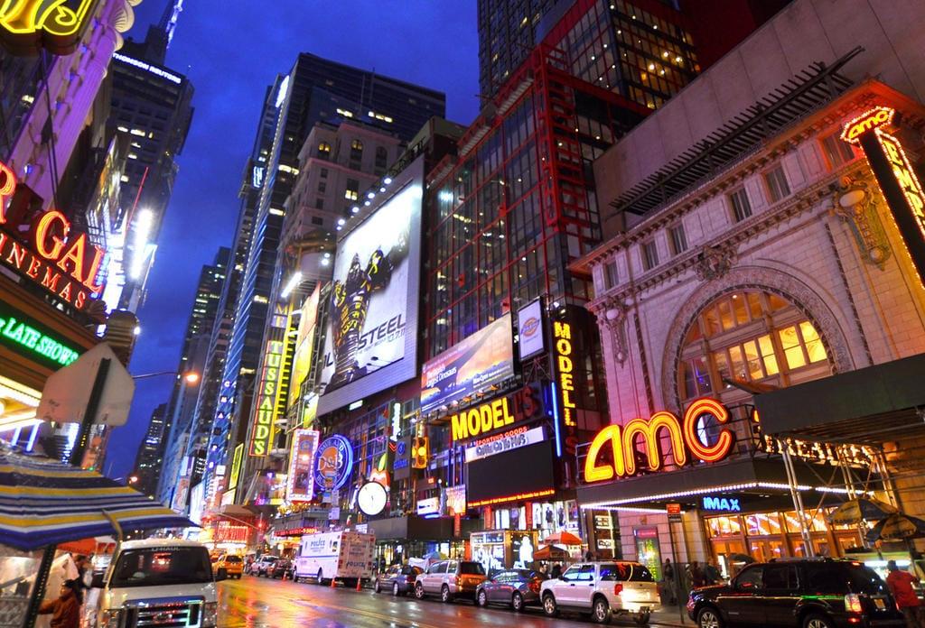 I Cinema della città di New York riapriranno il 5 marzo