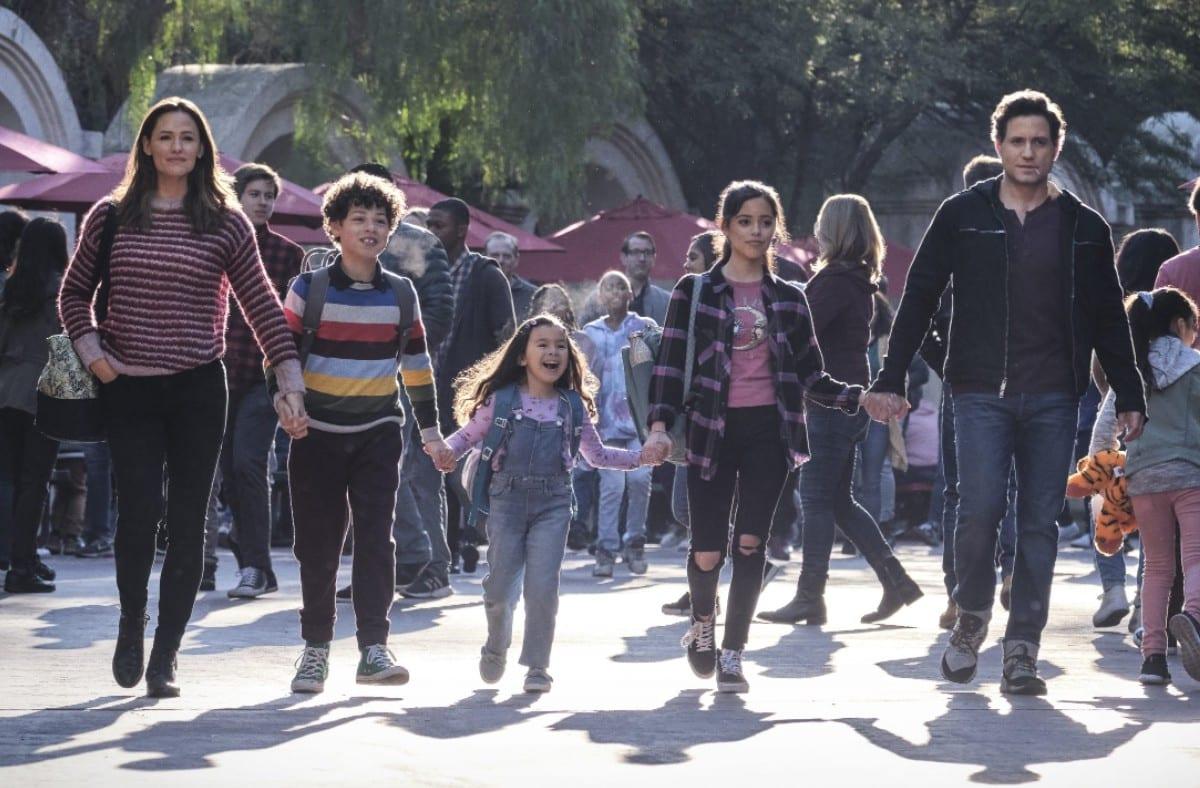 Yes Day: il trailer e il poster del film con Jennifer Garner ed Édgar Ramírez