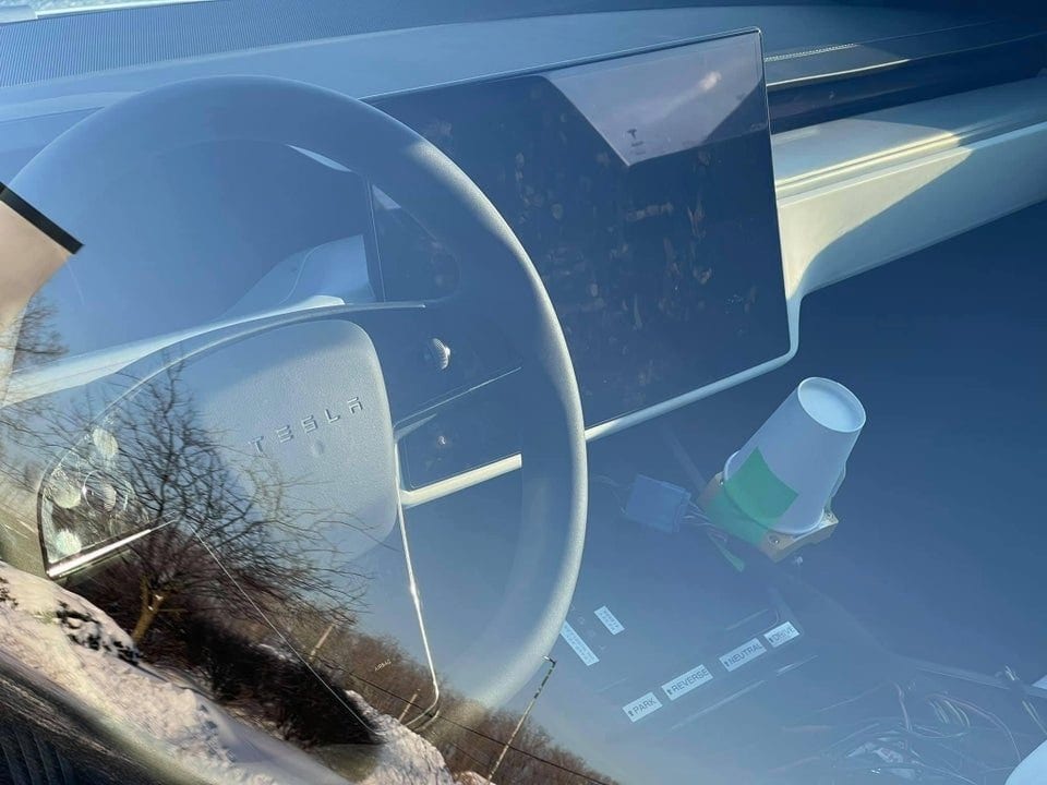 "Tesla, possibile incidente mortale dell'""autopilota"""