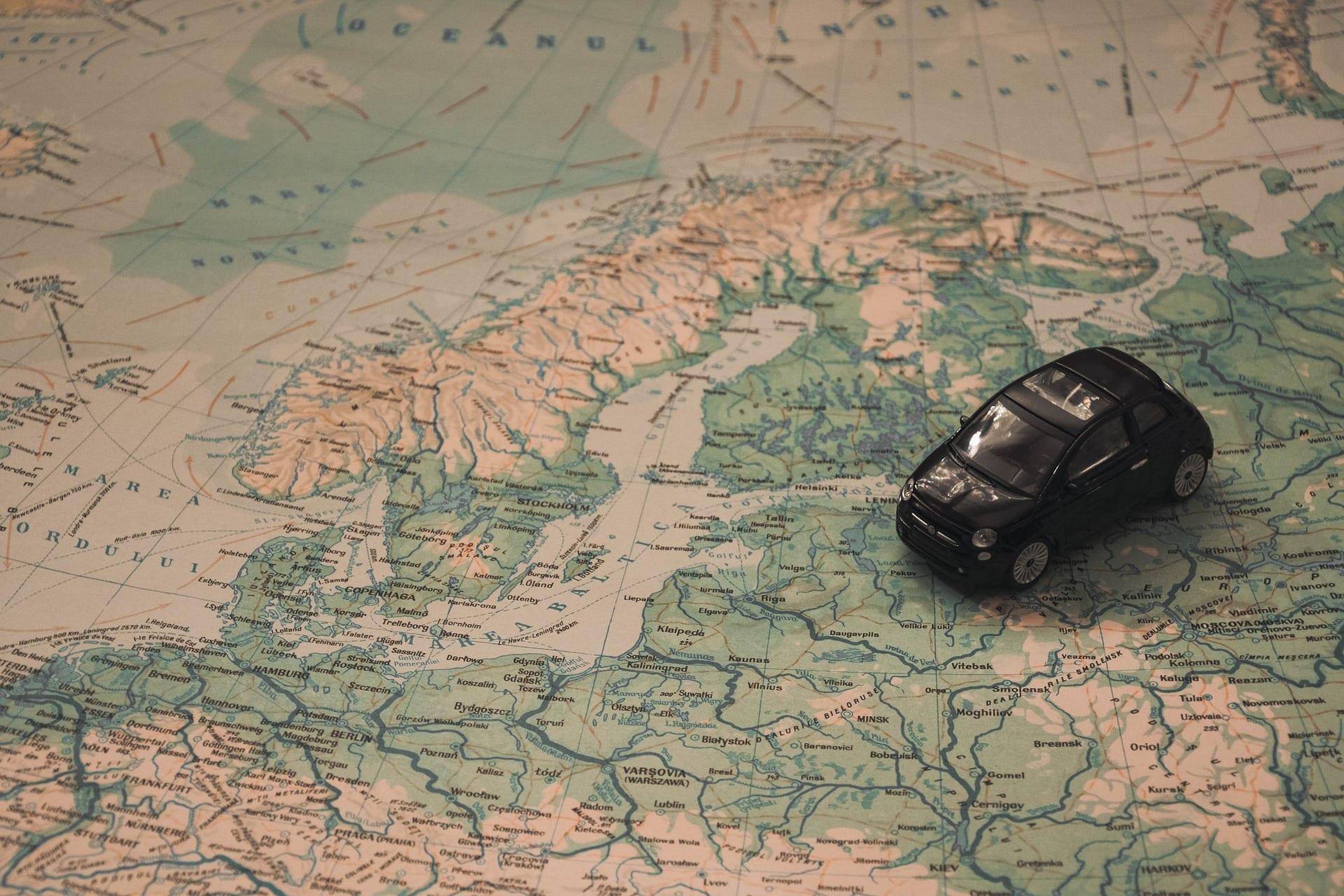 L'UE mette in guardia: i veicoli a guida autonoma possono essere insidiosi