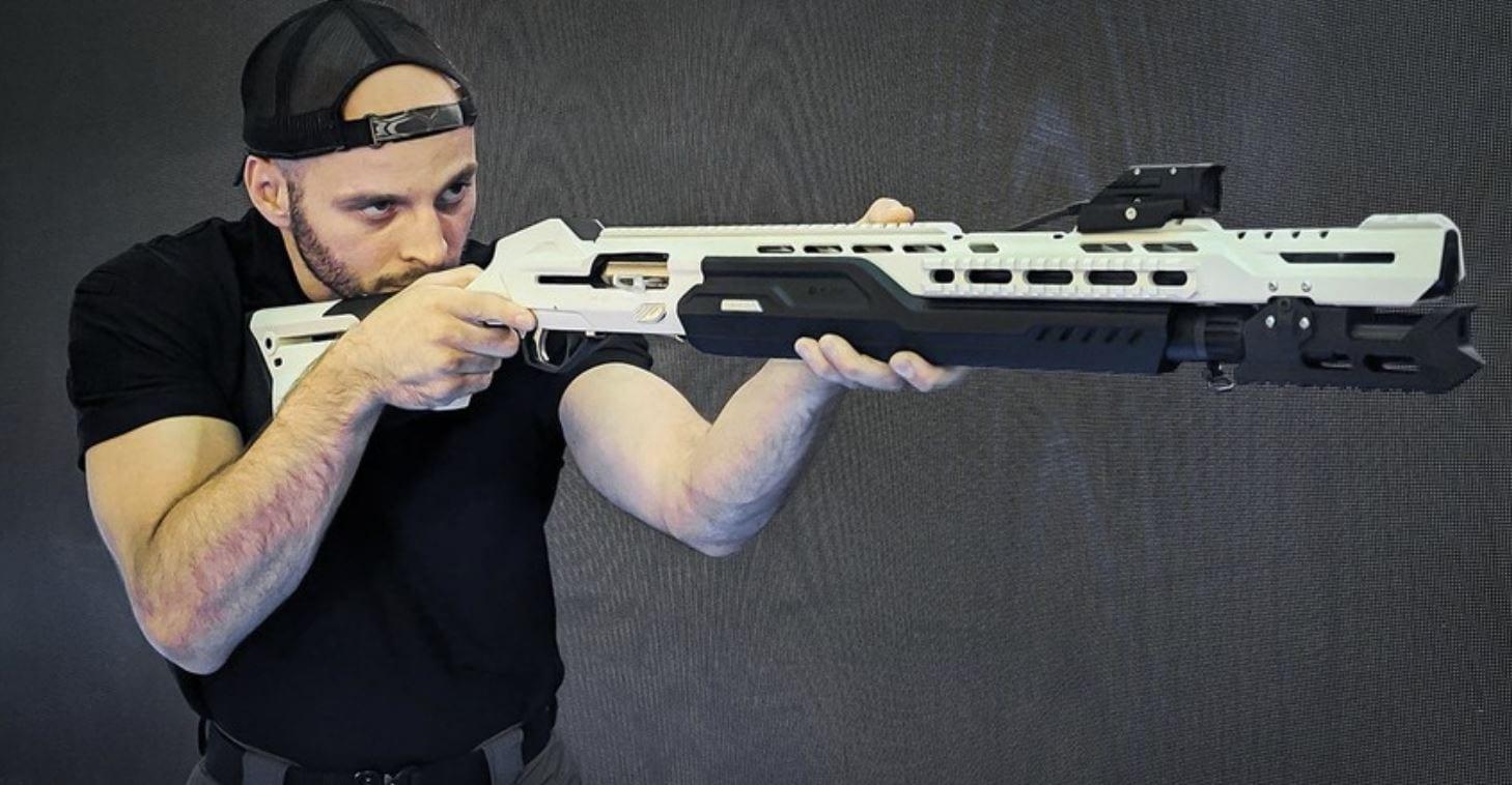 Kalashnikov ha presentato un fucile a pompa 'smart' progettato per la Gen-Z